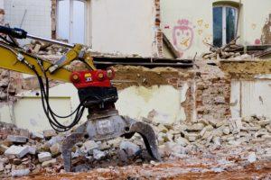 Építési törmelék elszállítás és lerakás tárolókba konténerrel