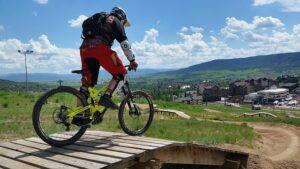 Kerékpár nyereg többféle biciklihez